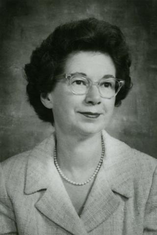 Janet Maurer Füße Rohr