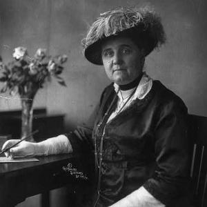 why did jane addams create the hull house
